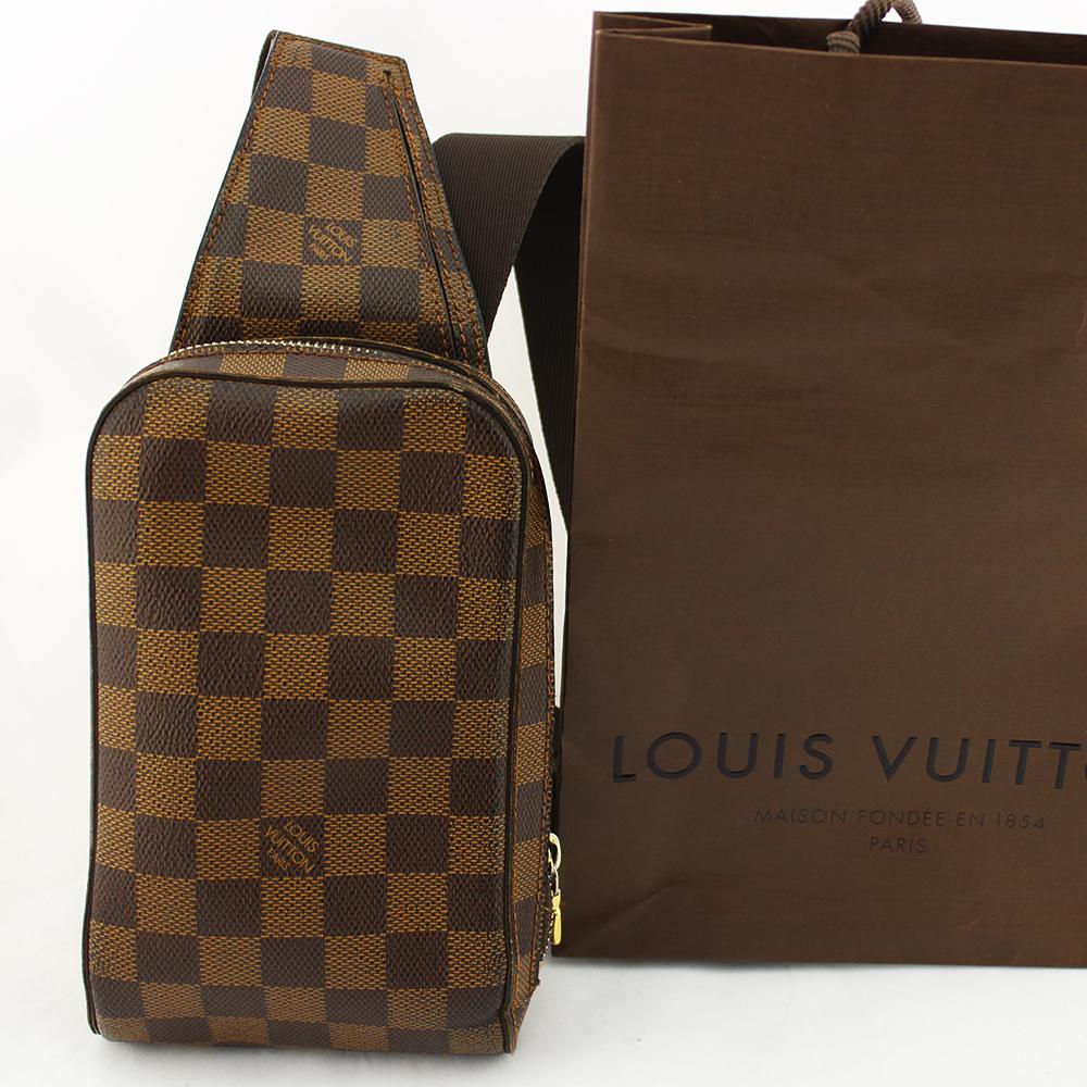 Pochette bandoulière Louis Vuitton Geronimos Authentique d'occasion en toile damier brun
