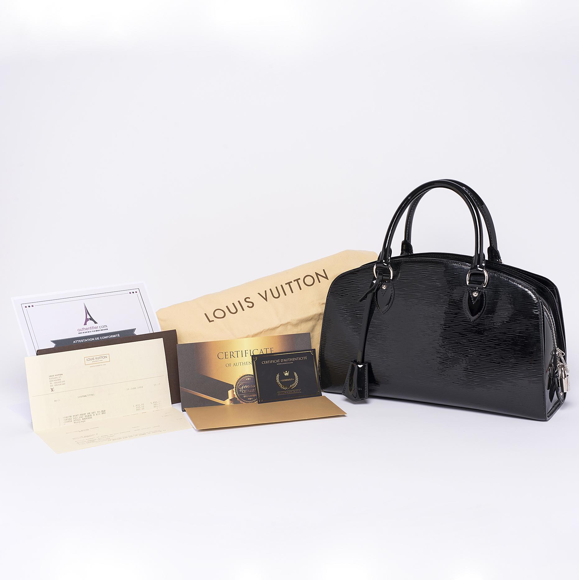 Sac à main Louis Vuitton Pont-Neuf PM Authentique d'occasion électrique cuir épi vernis couleur noir