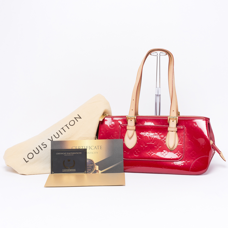 Sac Louis Vuitton Rosewood Authentique d'occasion en cuir vernis couleur pomme d'amour (rouge)