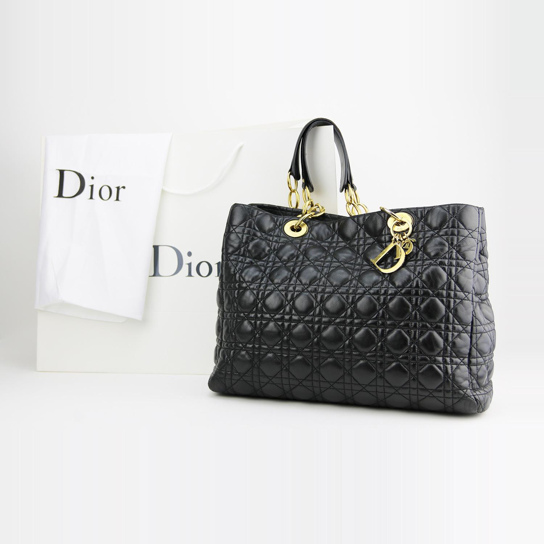 Sac porté épaule Ligne Lady Dior Soft Shopping Authentique d'occasion en cuir cannage noir