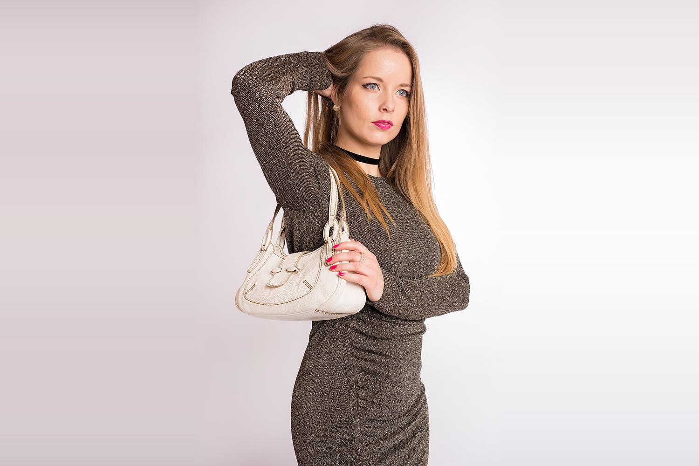 Sac porté épaule TOD's Authentique d'occasion en cuir grainé couleur blanc cassé