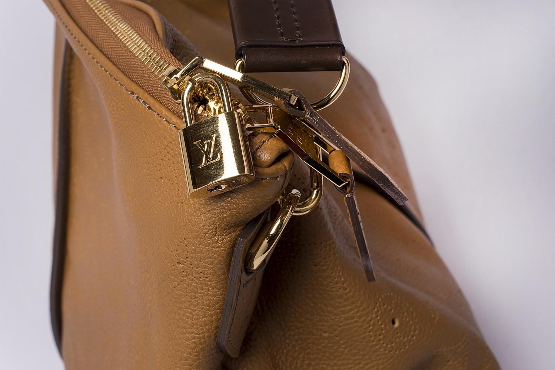 Sac à main Louis Vuitton Séléné MM Authentique d'occasion en cuir Mahina caramel Edition Limitée