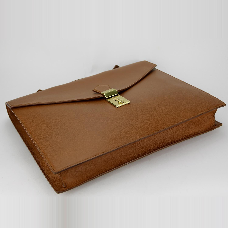 Porte-documents Serviette Delvaux Authentique d'occasion en cuir grainé couleur camel