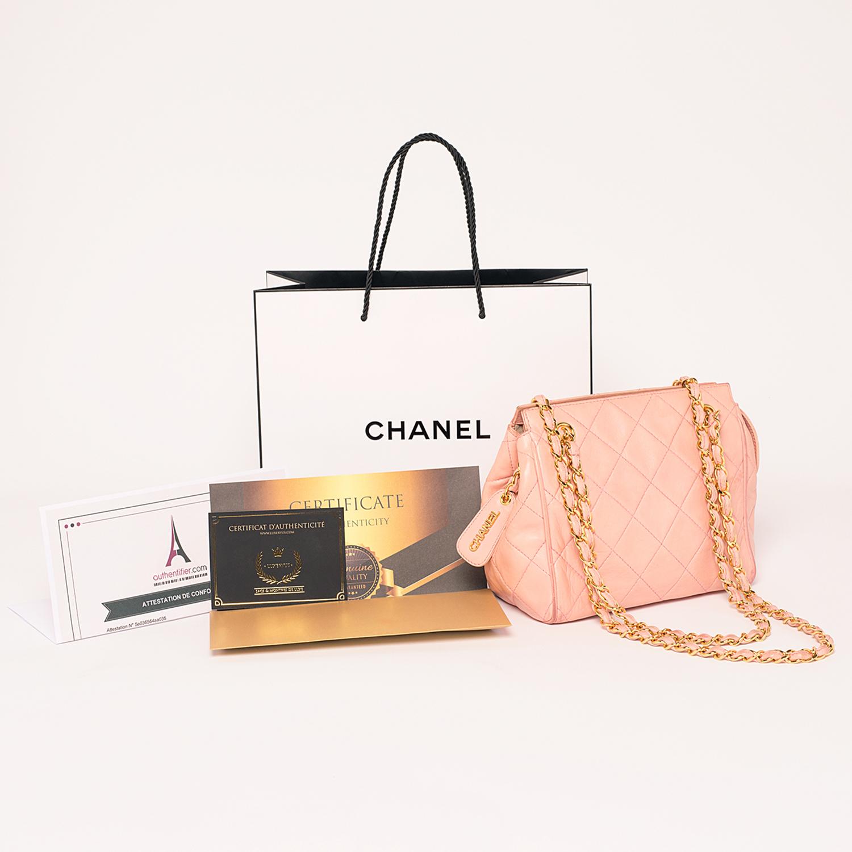 Beau petit Sac Chanel Authentique d'occasion matelassé en cuir couleur rose